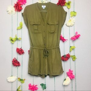 Old Navy olive green utility romper size Small.